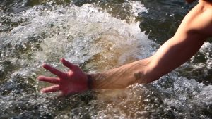 4. river hand 4